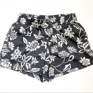 Mine Floral Shorts With Side Pockets